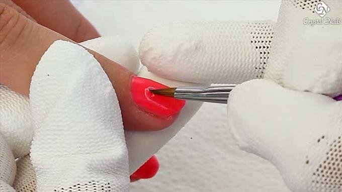 Técnica de decoración con Crystalac para Nail Art de punta fina