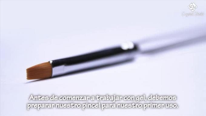 El primer uso del Pincel de Gel y Porcelana