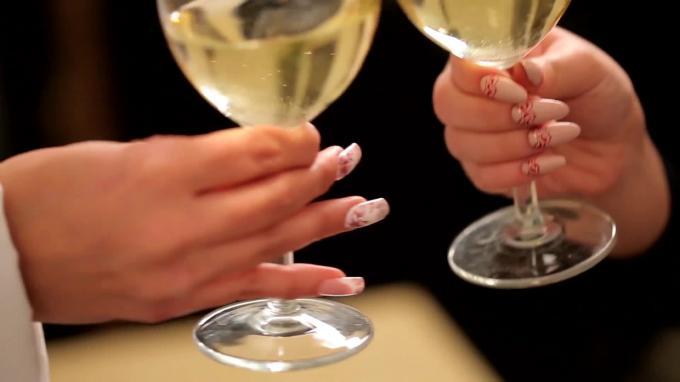 Crystal Nails - Para Todas las amantes de la novedad!